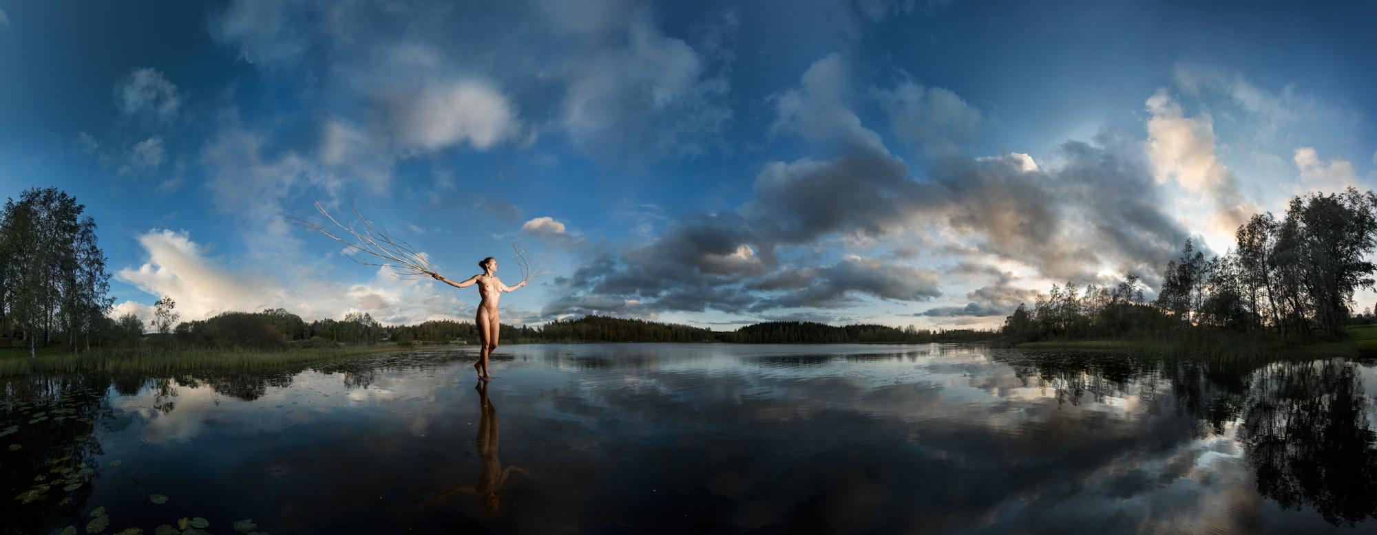KÄÄNNA JUURI VII. Fotografía y retoque digital. Lago Iso Hustu, Hämeenkyrö, Finlandia