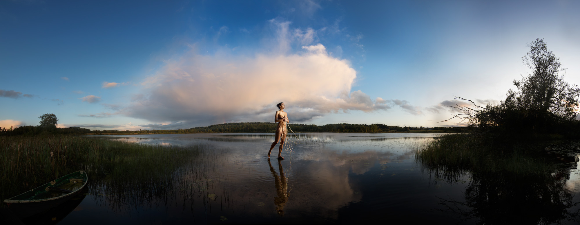 KÄÄNNA JUURI VIII. Fotografía y retoque digital. Lago Parilanjarvi, Hämeenkyrö, Finlandia