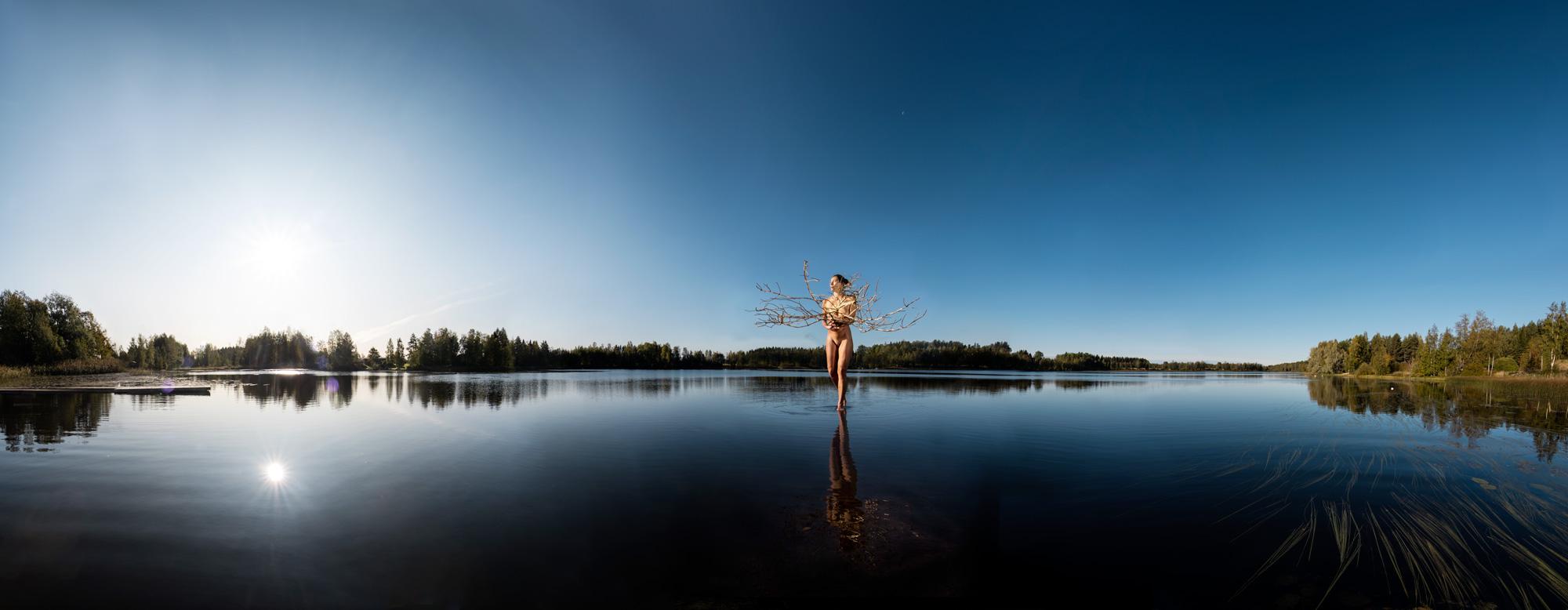KÄÄNNA JUURI X. Fotografía y retoque digital. Lago Mustianoja, Hämeenkyrö, Finlandia