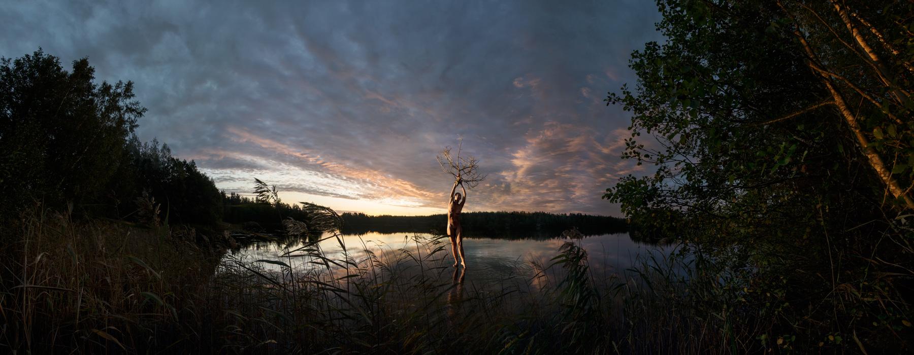 KÄÄNNA JUURI XIV. Fotografía y retoque digital. Lago Kelhajarvi, Hämeenkyrö, Finlandia