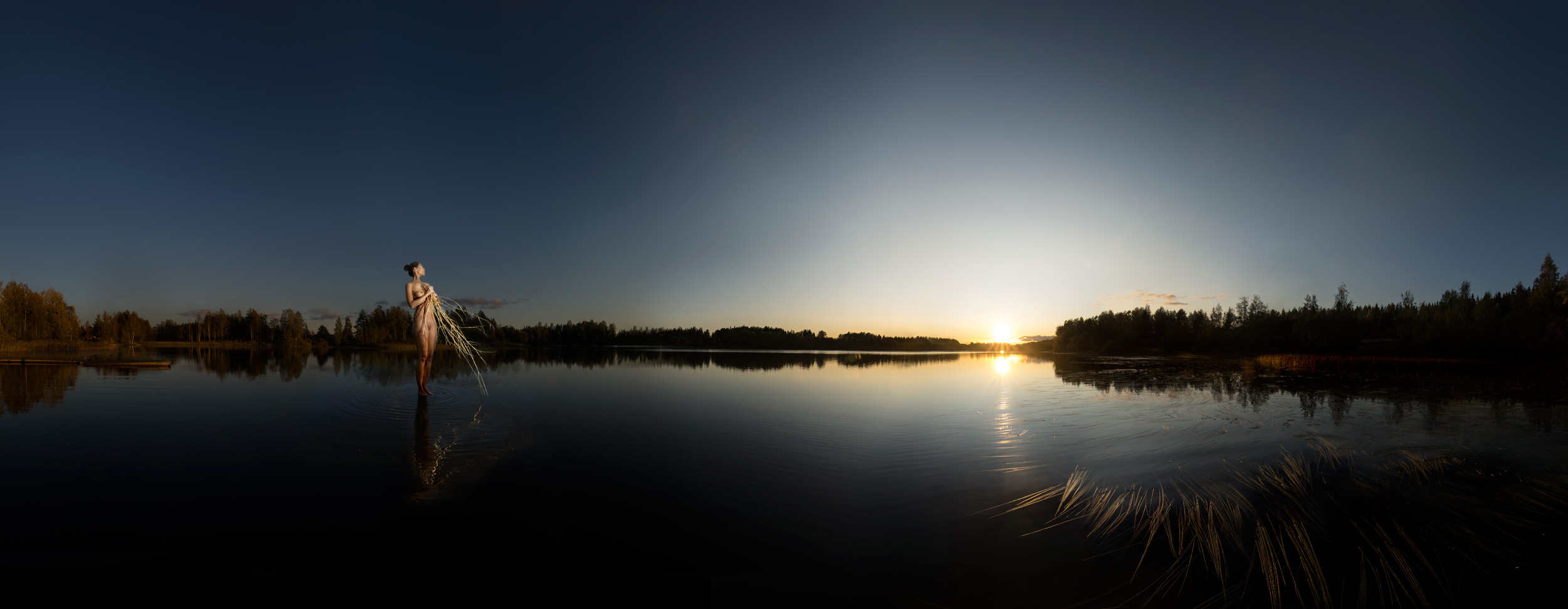 KÄÄNNA JUURI I. Fotografía y retoque digital. Lago Mustianoja, Hämeenkyrö, Finlandia