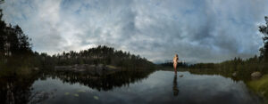 KÄÄNNA JUURI IV. Fotografía y retoque digital. Lago Ritajarven, Hämeenkyrö, Finlandia thumb