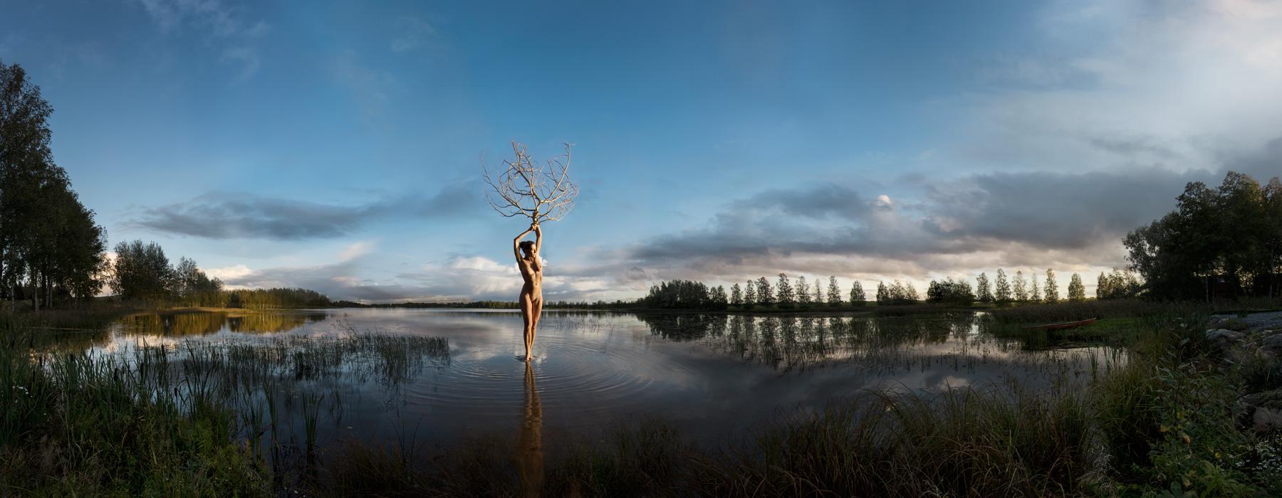 KÄÄNNA JUURI XII. Fotografía y retoque digital. Lago Heinijarvi, Hämeenkyrö, Finlandia
